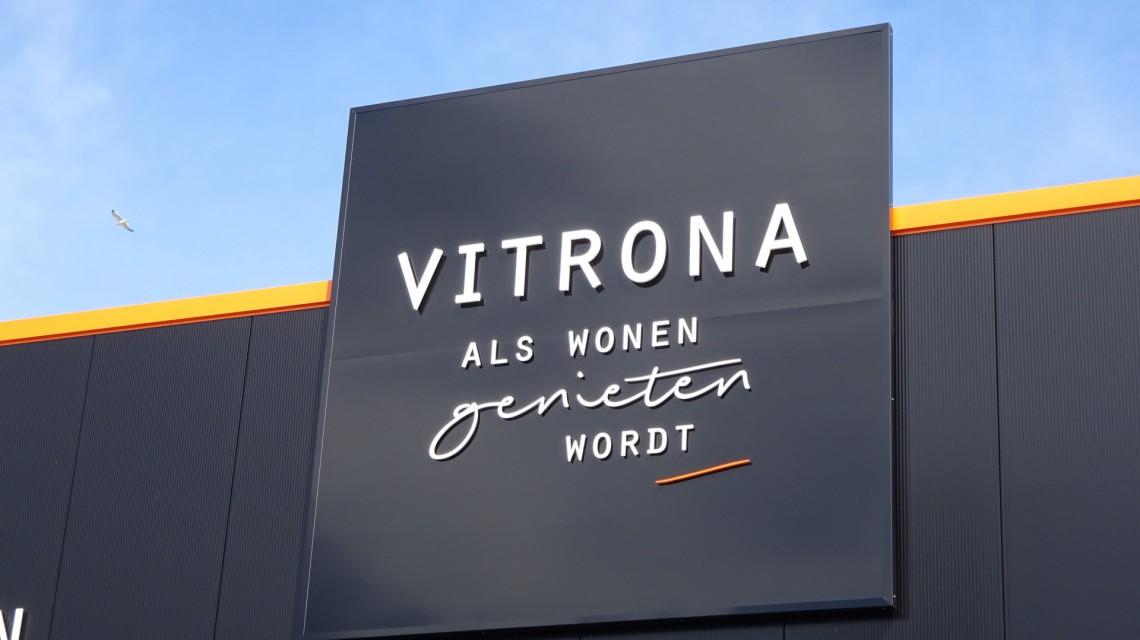 Vitrona12