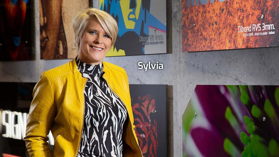 Sylvia1410px